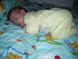 bebe 2 luni jumate